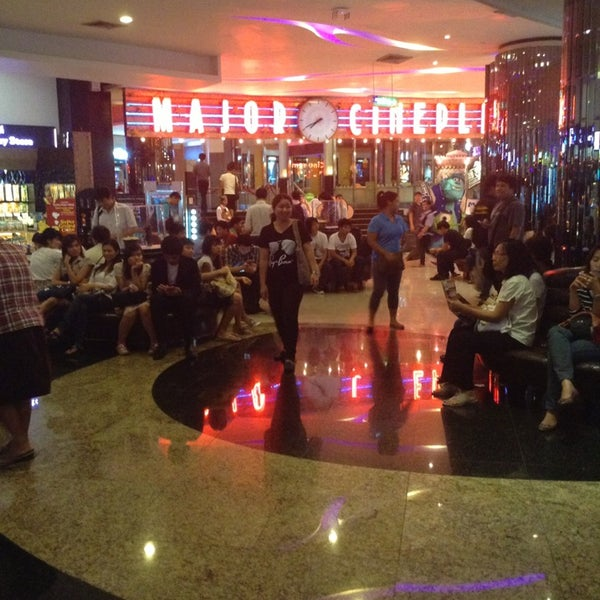 Photo taken at Major Cineplex Ratchayothin by Chunphithaya C. on 7/10/2013