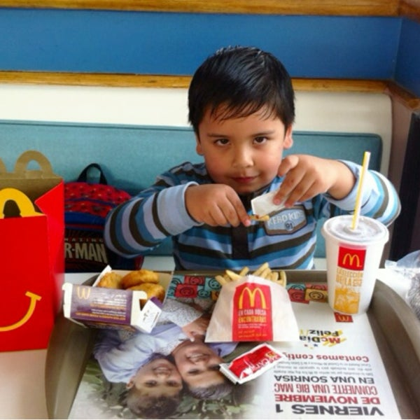 Photo taken at McDonald's by Charmo H. on 11/24/2013