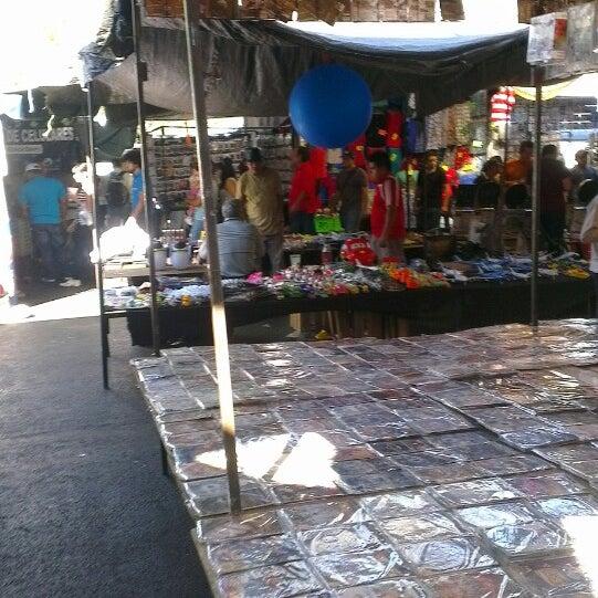 El baratillo flea market for Cocinas buenas y baratas