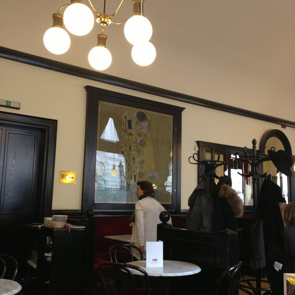 Photo taken at Cafe-Restaurant Griensteidl by Stefan T. on 3/24/2013