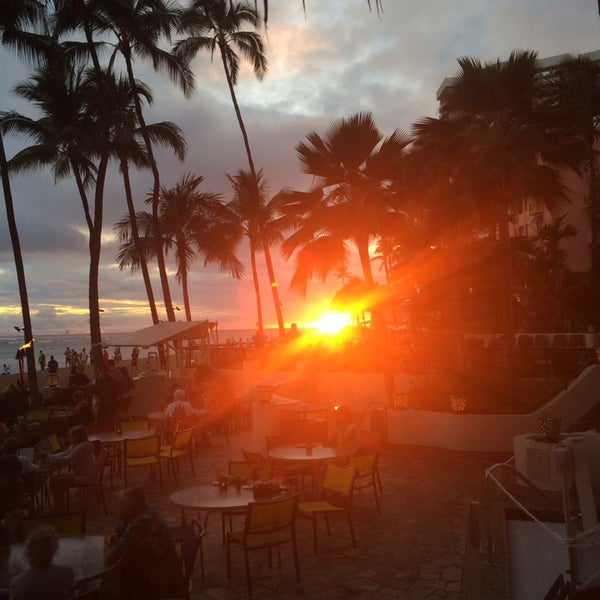 Photo taken at Duke's Waikiki by Spencer on 3/9/2014