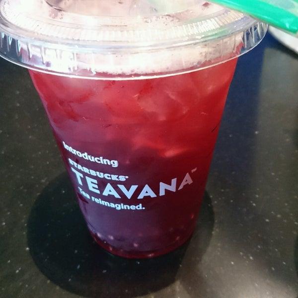 Photo taken at Starbucks by Sushi on 10/11/2016