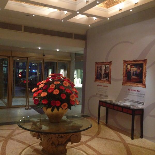 Photo taken at Hotel Royal by Aydar on 11/17/2015