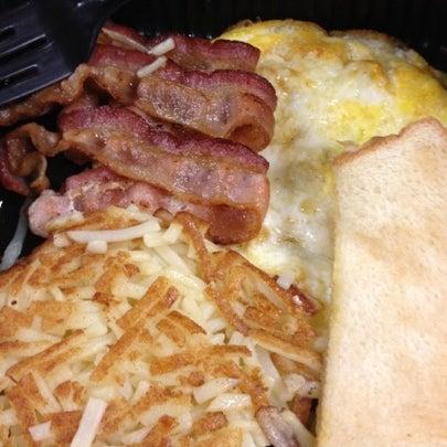Photo taken at Waffle House by Nisha B. on 8/7/2012