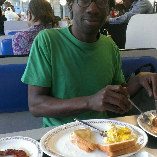 Photo taken at Waffle House by Syon on 3/16/2013
