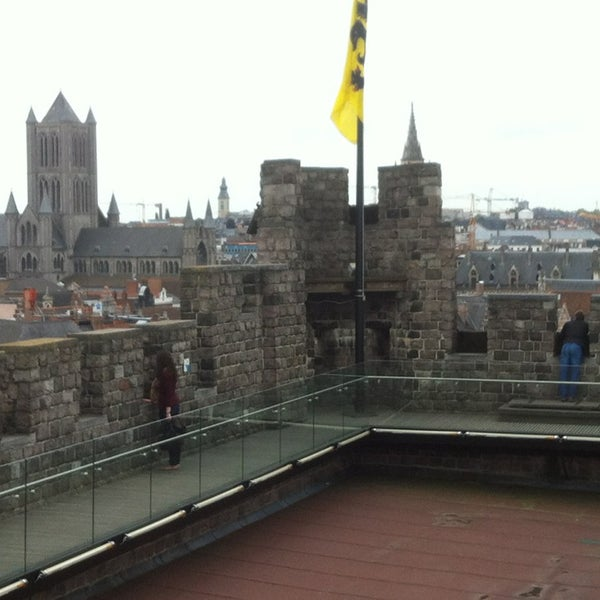 Photo taken at Gravensteen / Castle of the Counts by Tessa H. on 6/16/2013