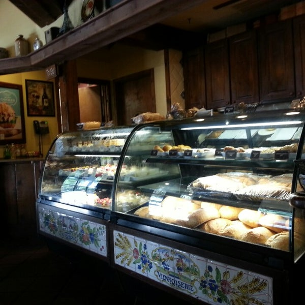 Photo taken at La Madeleine Country French Café by Tahiana A. on 8/4/2013