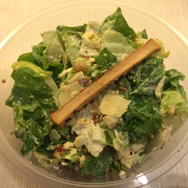 Ceasar salad. 👍 $11 price 👎