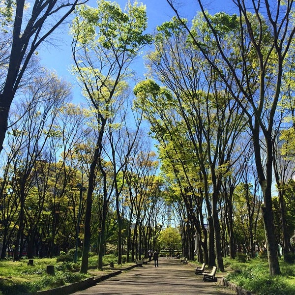 Photo taken at 久屋大通公園 リバーパーク by Shimotomania on 4/21/2015