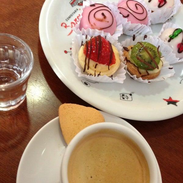 Photo taken at Confeitaria Barcelona by Gilmar F. on 8/1/2013