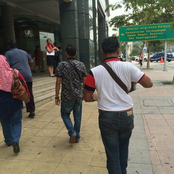 Photo taken at Jabatan Imigresen Malaysia by Fatin F. on 9/21/2016