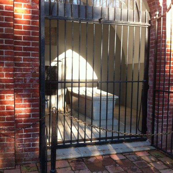 Photo taken at George Washington's Mount Vernon Estate, Museum & Gardens by Elizabeth F. on 1/21/2013