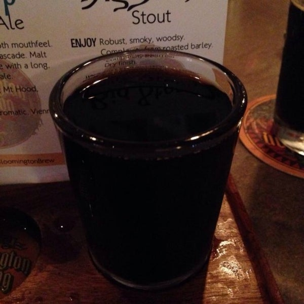 Photo taken at Lennie's  (Bloomington Brewing Company) by Robert E. on 7/20/2014