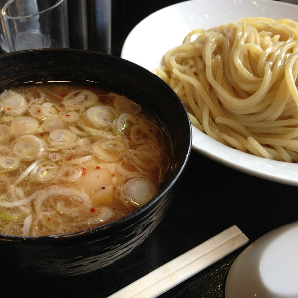 Photo taken at 三ツ矢堂製麺 下北沢店 by Mikan M. on 2/16/2014