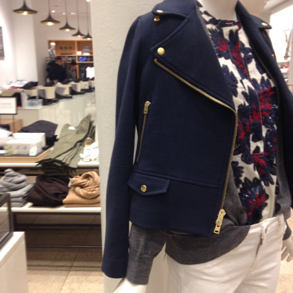 Photo taken at J.Crew by Eva W. on 2/15/2015