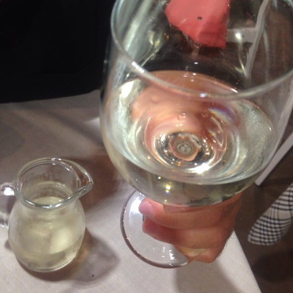Ma che ce frega, ma che ce 'mporta se l'oste ar vino c'ha messo l'acqua... NO COMMENT!!!