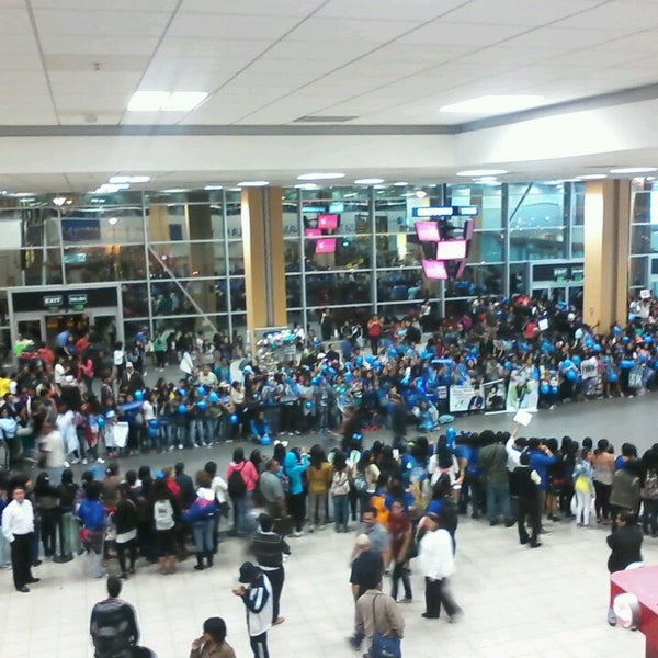 Photo taken at Aeropuerto Internacional Jorge Chávez (LIM) by Fabiola F. on 4/27/2013