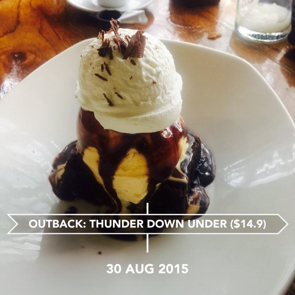 Photo taken at Outback Steakhouse by Aaron W. on 8/30/2015