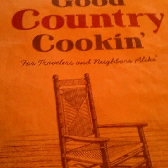 Photo taken at Cracker Barrel Old Country Store by Joerilla on 8/10/2013