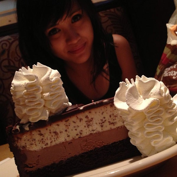 Photo taken at The Cheesecake Factory by WINFERD JOHN T. on 6/11/2013
