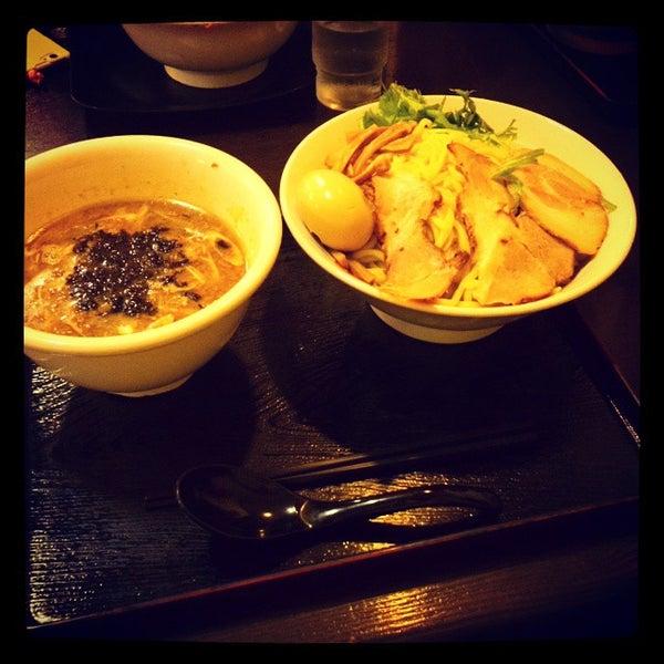 Photo taken at 手打ち麺処 暁天 by Kaizu H. on 9/14/2014
