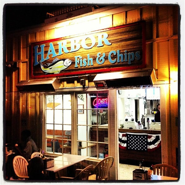 Photo taken at Harbor Fish and Chips by Caleb E. on 7/27/2013