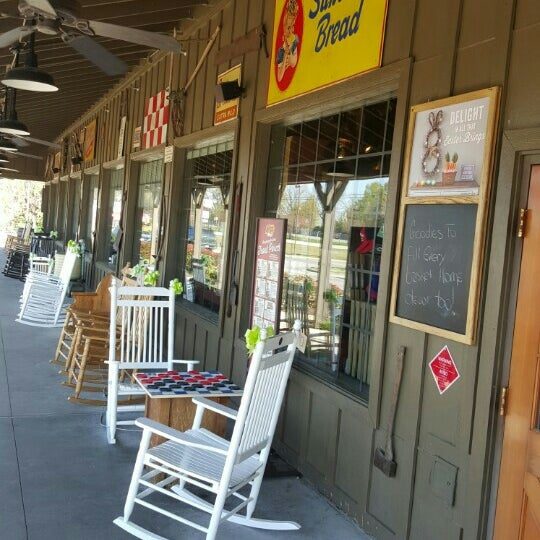 Photo taken at Cracker Barrel Old Country Store by Mark K. on 3/22/2016