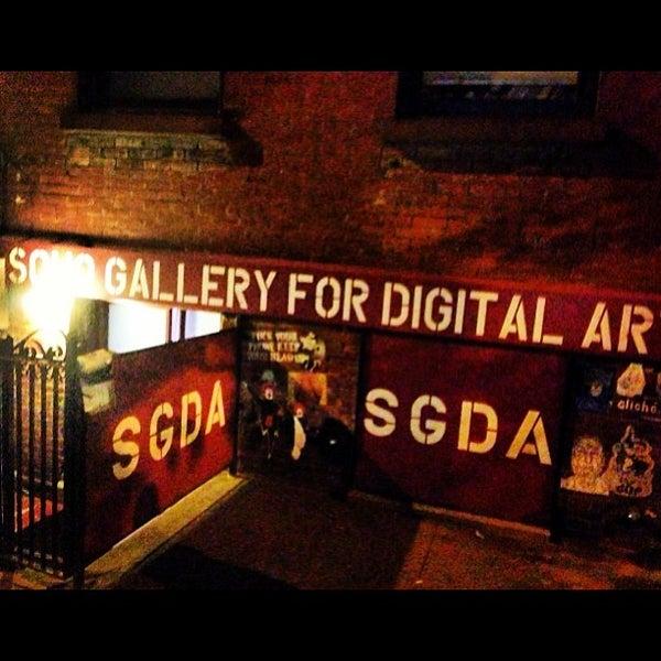 Photo taken at SoHo Gallery for Digital Art by chuckdafonk F. on 9/28/2013