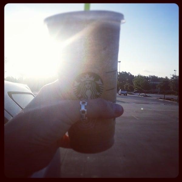 Photo taken at Starbucks by Melvin M. on 8/8/2014