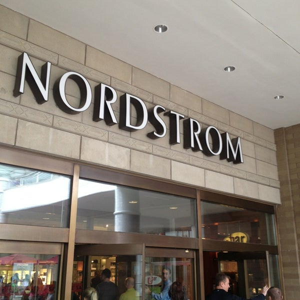 nordstrom oakbrook center 22 tips from 4633 visitors