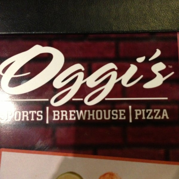 Photo taken at Oggis Pizza & Brewing Co. by Rachel Y. on 7/11/2013