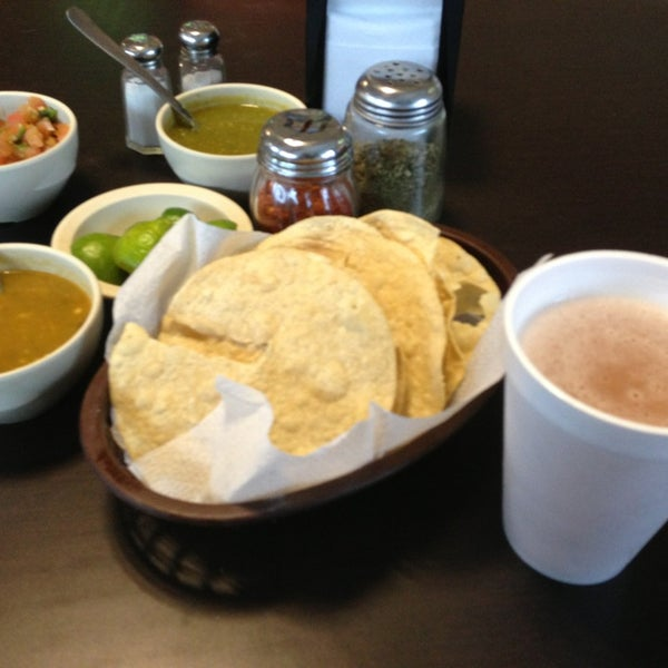 Photo taken at Pozole y Tacos Regios by Miguel B. on 9/14/2013