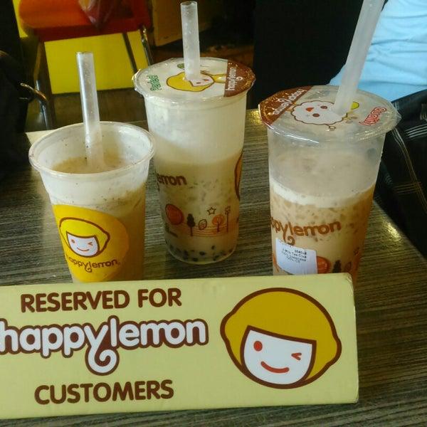 Photo taken at Happy Lemon by Alvin L. on 12/12/2014