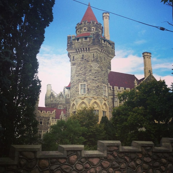 Photo taken at Casa Loma by Caroline B. on 7/28/2013