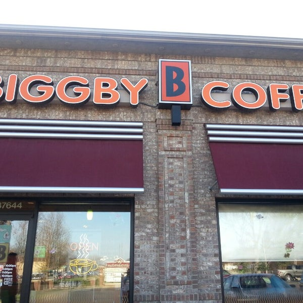 Photo taken at BIGGBY COFFEE by Nadia W. on 4/19/2014