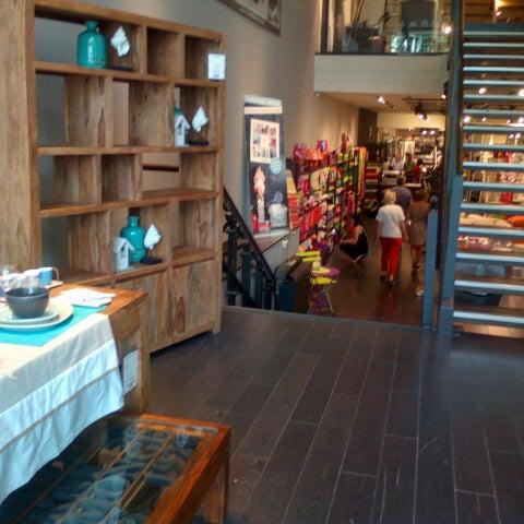 Maisons du monde furniture home store in la dreta de l - La maison du monde barcelona ...