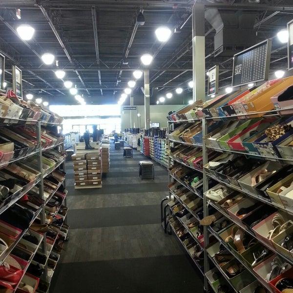 Photo taken at DSW Designer Shoe Warehouse by Viviana H. on 9/19/2013