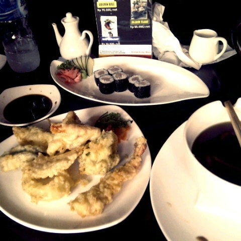 Photo taken at Nori The Japanese Kitchen Lounge by Anin S. on 9/20/2014