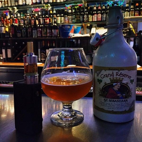 Photo taken at Sharkeys Beer & Wine by Carlos R. on 1/25/2015