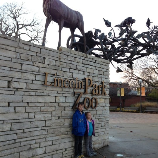 Photo taken at Lincoln Park Zoo by Tim A. on 11/10/2012