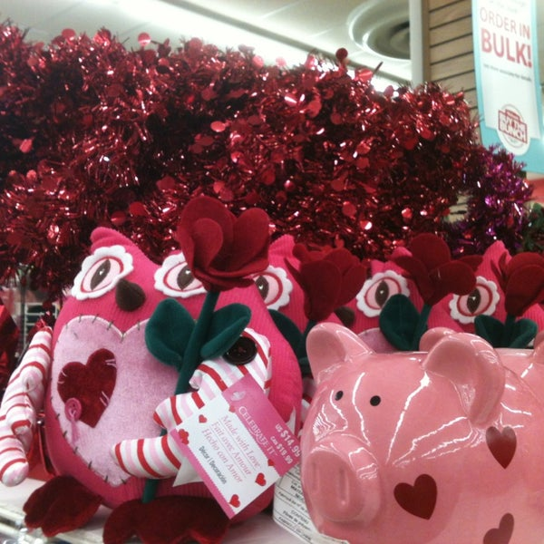 Michaels arts crafts store in roanoke for Michaels craft store houston