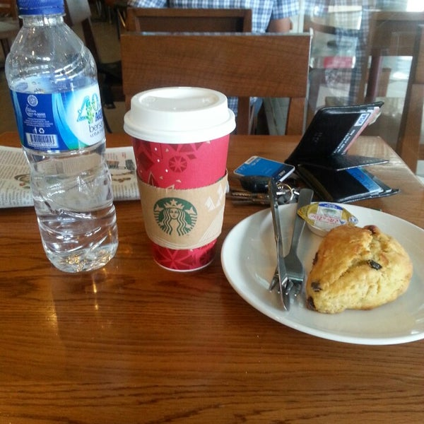Photo taken at Starbucks by Peter C. on 11/17/2013