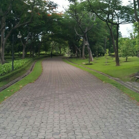 Photo taken at Queen Sirikit Park by Pete on 7/18/2016
