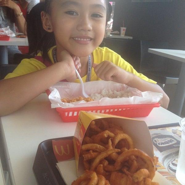 Photo taken at McDonald's by Sheena N. on 10/17/2014
