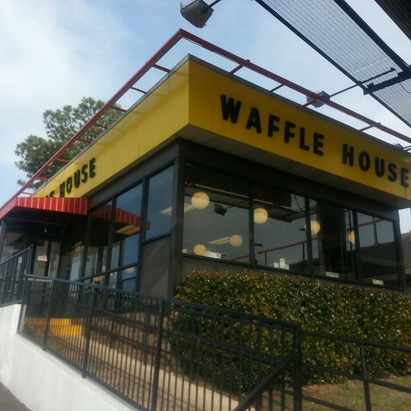Photo taken at Waffle House by Eric L. on 2/23/2014