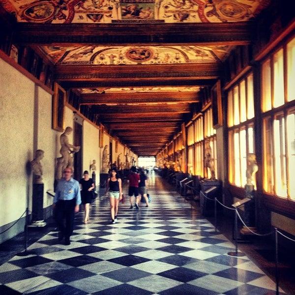 Photo taken at Uffizi Gallery by Víctor M. on 7/11/2013