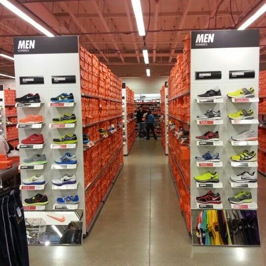 91 STORES FEATURING. Calvin Klein, Cole Haan Outlet, Polo Ralph Lauren Factory Store, Theory, Tommy Hilfiger, Disney Store Outlet, kate spade new york, Tory Burch, and NIKE Factory Store.