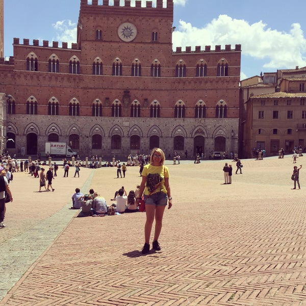Photo taken at Siena by Meltem Y. on 5/30/2016