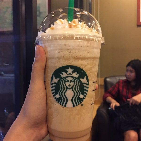 Photo taken at Starbucks (สตาร์บัคส์) by Zine C. on 3/22/2015