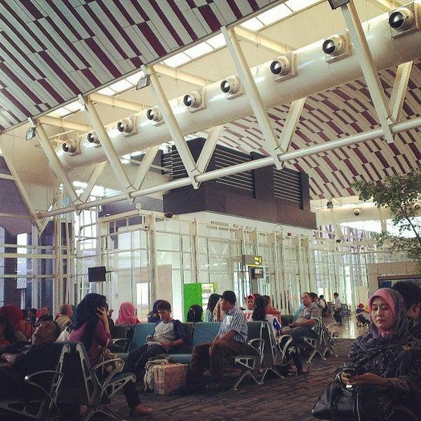 Photo taken at Sultan Hasanuddin International Airport (UPG) by ikhsan on 6/30/2013